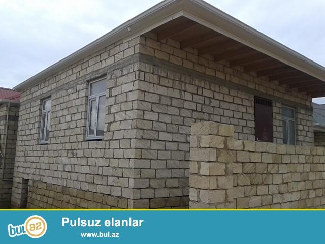 Masazırda, 69 nömrəli marşrut yolunun üstündə, Araz marketin yanında, 1 mərtəbəli yeni tikili  evlər ...