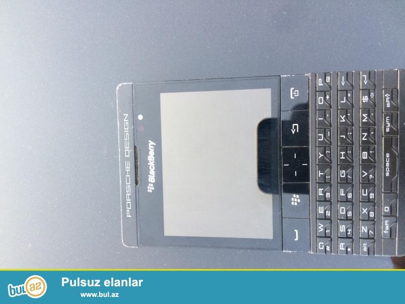 Blackberry poshe desinger p9983 iwlek veziyyetde xahiw edirem fikiri ciddi olmayanlar narahat etmasin