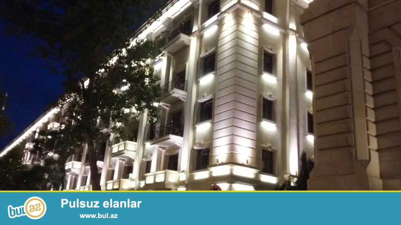 Cдается 2-х комнатная квартира в центре города, на площади Азнефть, рядом с Фуникулером...