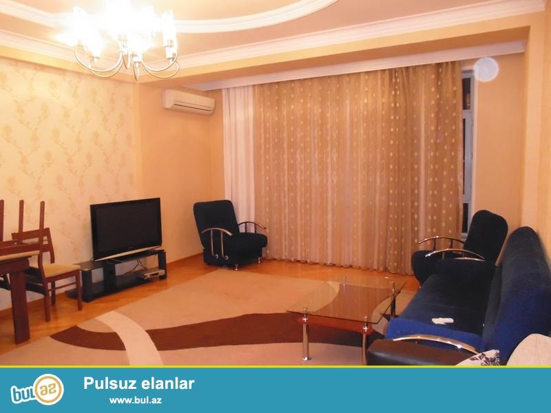 Около метро Н. Нариманова сдается 3 ком квартира, большие и светлые комнаты, есть вся мебель для комфортного проживания<br /> <br /> N...
