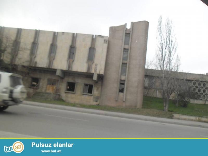 Heydər Əliyev prospektində (Maskovski pr),yolun üstündə 41 sot özəl torpaq satılır -5...
