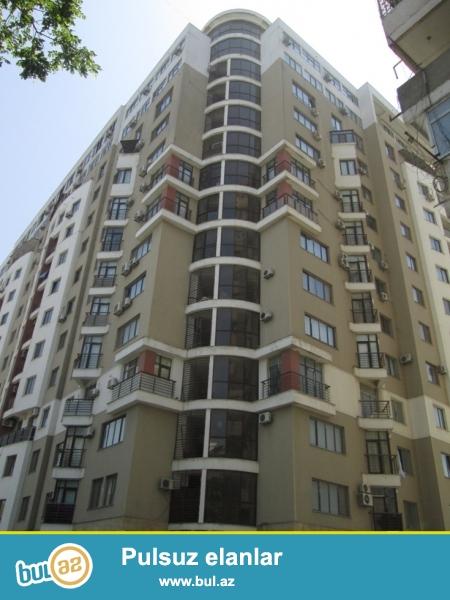 По проспекту Г. Алиева сдаётся 3-х комнатная с общей площадью 125 кв...