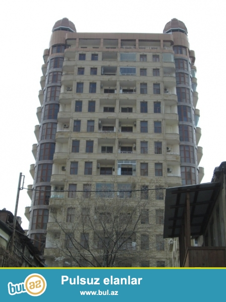 В центре города за Isr Plaza сдаётся 4-х комнатная квартира...