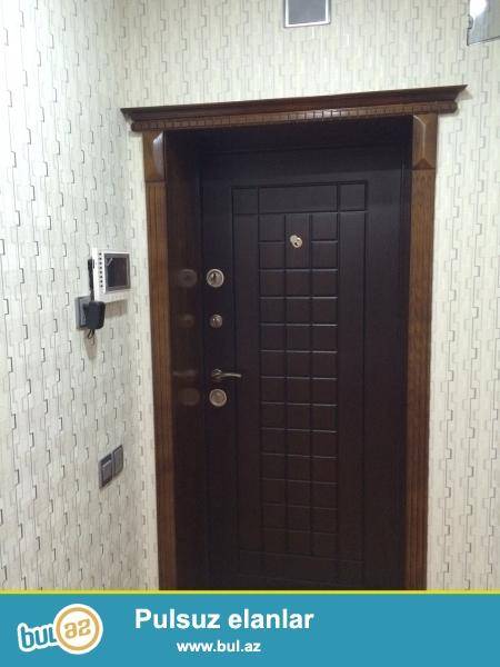 В Ясамалском районе, рядом с парком Мусабекова продается трехкомнатная квартира, 5/4, каменный дом, общая площадь 75 кв...