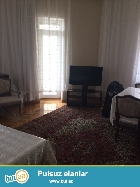 Очень срочно! Около м/с Нариманова  ,сдается в аренду на долгий срок 2-х комнатная квартира старого строения 5/5 , с супер ремонтом , общей площадью 65 квадрат...