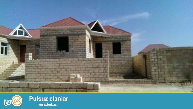 Masazırda, 69 nömrəli marşrut yolunun üstündə, Araz marketin yanında, 1 mərtəbəli yeni tikili  ev ...