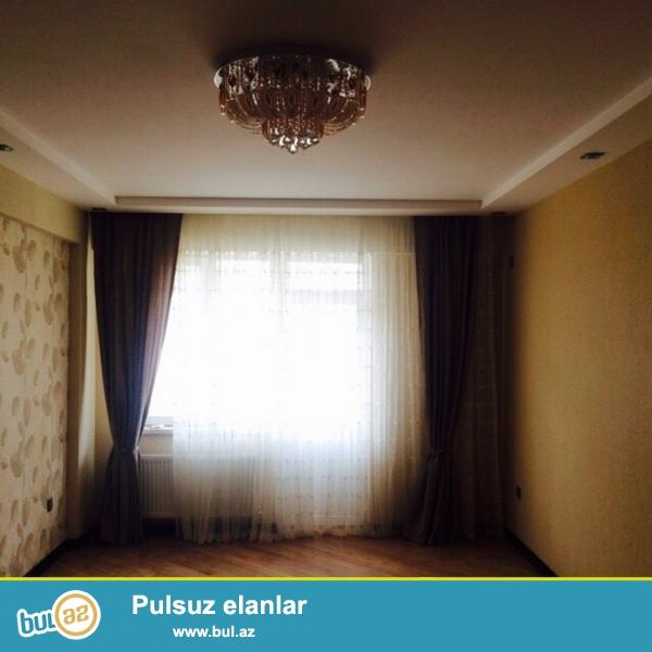 Очень срочно рядом с  проспектом ГЕЙДАРА АЛИЕВА  за «КОСМОСОМ»    продаётся 3-х комнатная квартира  нового строения   16 / 20 ...