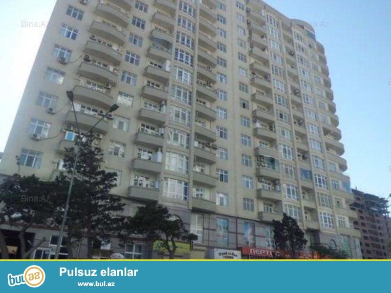 Продается 1-а комнатная квартира переделанная в 2-х комнатную, вблизи метро Хатаи, рядом с Исполнительной Властью, 14/17 этажной новостройки, общая площадь 70 кв...