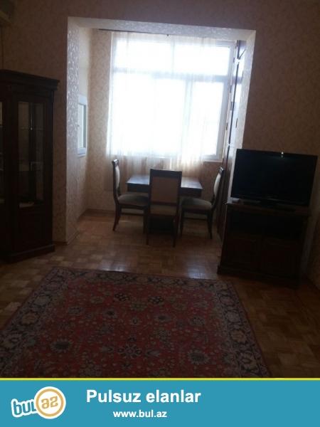 Təcili!!! Qaqarin körpüsünün yaxınlığında 24 saat marketin yanında klassik Stalin layiheli binada 2 otaqlı əla təmirli mənzil satılır...