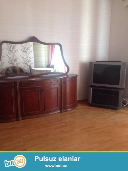 Cдается 3-х комнатная квартира в центре города,на площади Фонтанов, рядом с Иср Плазой...