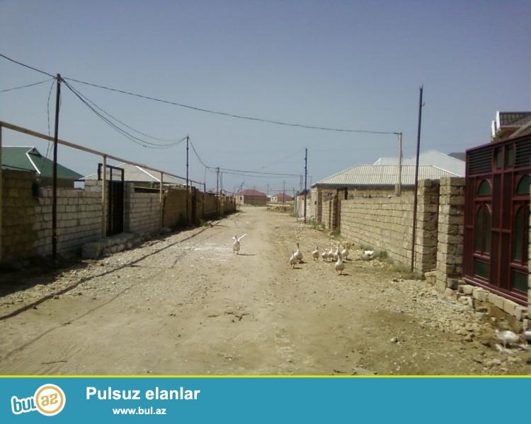 Baki sheheri.Absheron rayonu.Mehemmedi kendi.Zabrat kruqundan Kurdexani yolunun ustunde...