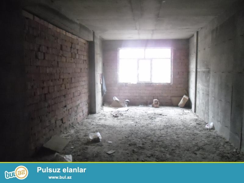 Yasamalda atv tvinin yani 2otaqli temirsiz menzil 66kv, bina tikililib hazirdi   panaramasi seheridir.