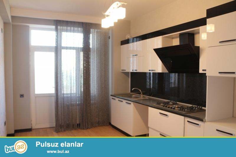 QAZLI YENİ TİKİLİ!!! Yasamal rayonu, Kaktus restoranı yaxınlığında 11/16 ümumi sahəsi 138 kv...