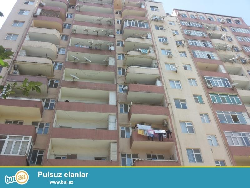 Очень срочно продается 3-х комнатная квартира, 8 МКР, недалеко от магазин Романтик, 6/20, общая площадь 120 кв...