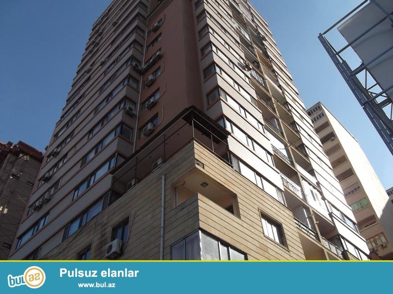 """Продается 3-х комнатная квартира, по проспекту Бабяк, около """"BAZAR STORE"""", 11/18 этажной новостройки, общая площадь 134 кв..."""