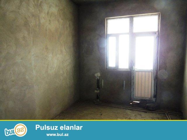 Xetai rayonu,Ehmedli metrosunun yaxinliginda neptun marketin ustunde 17 mertebeli yeni tikili binanin 14 mertebesinde 73 kv...