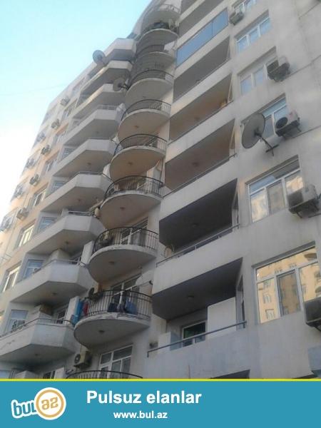 Продается 4-х комнатная квартира, по проспекту Хатаи, около Шерг базары, общая площадь 170 кв...
