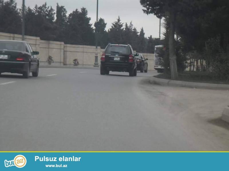 Atatürk prospektində, yolun üstündə 28 sot özəl torpaq satılır...