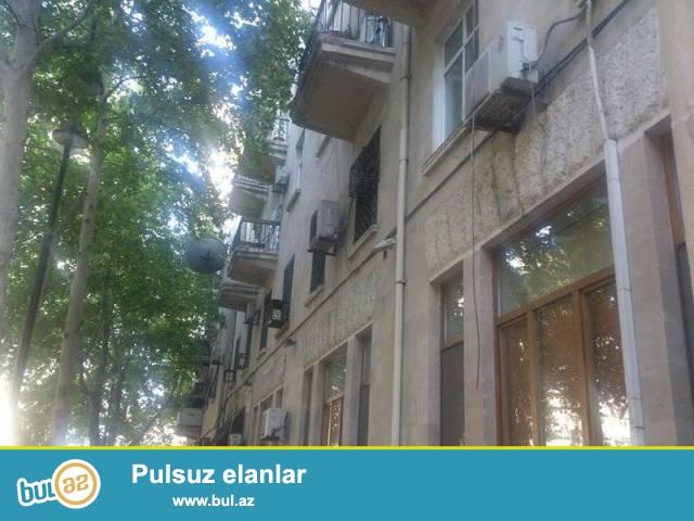 Сабаильский район, около Бульвара сдаётся 3-х комнатная квартира...