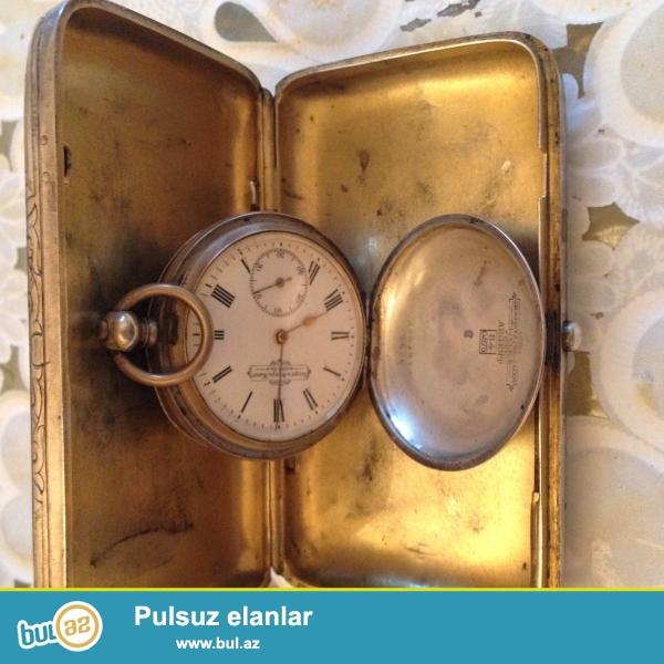 Padsiqar 1881 ci ilde Xlebnikov terefinden duzeldilib el isidir gumusdur 84 probla saat qedimi el saatidir islekdir eqrebleri qizildandir emalnandi oda 84 probladi iksinide bir yerde satiram