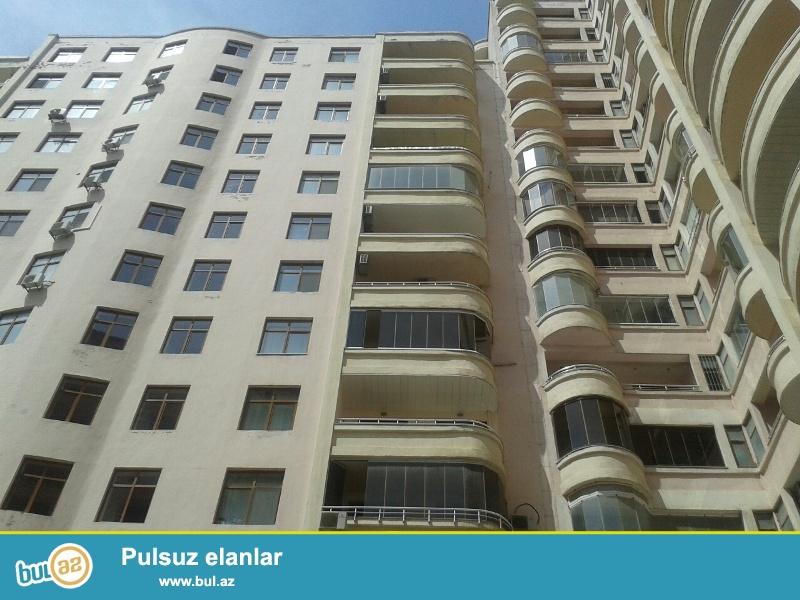 Продается 3-х комнатная квартира, по улице М. Гашкая, 9/14 этажной элитной новостройки, общая площадь 152 кв...