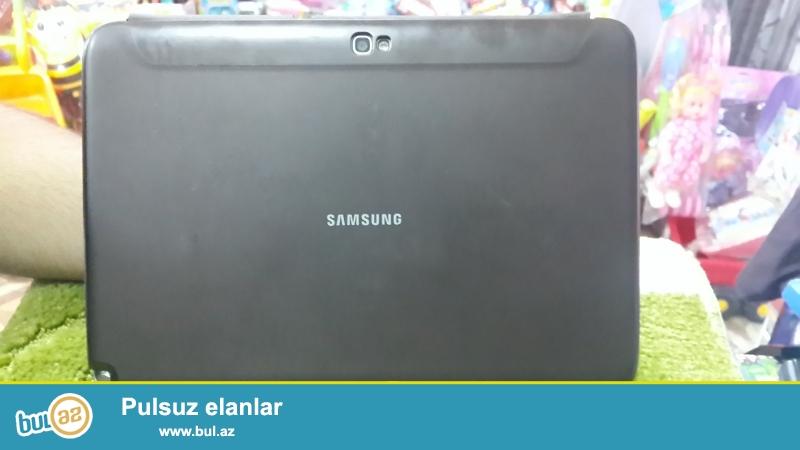 Samsung 10.1 yaxsi veziyyetdedir, demek olarki tezedir , ev seraitinde istifade olunub ve seliqelidir...