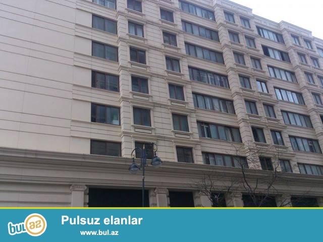 """Сабаильский район, около отеля """"Landmark"""" сдаётся 3-х комнатная квартира..."""