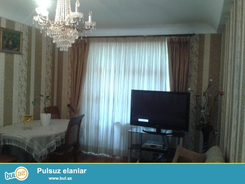 Срочно!!! Цена ниже рыночного!!! Около метро Нариманова,  рядом с парком  сдаётся 2-х комнатная  квартира ...