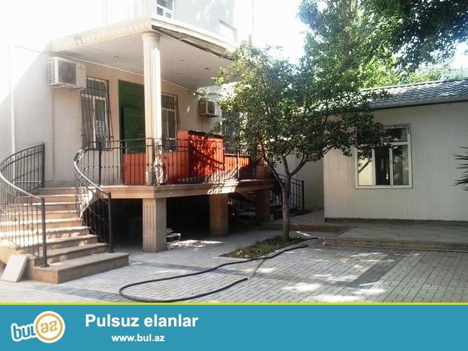 Сдается 4-х комнатный офис в центре города, около метро Нариманова...