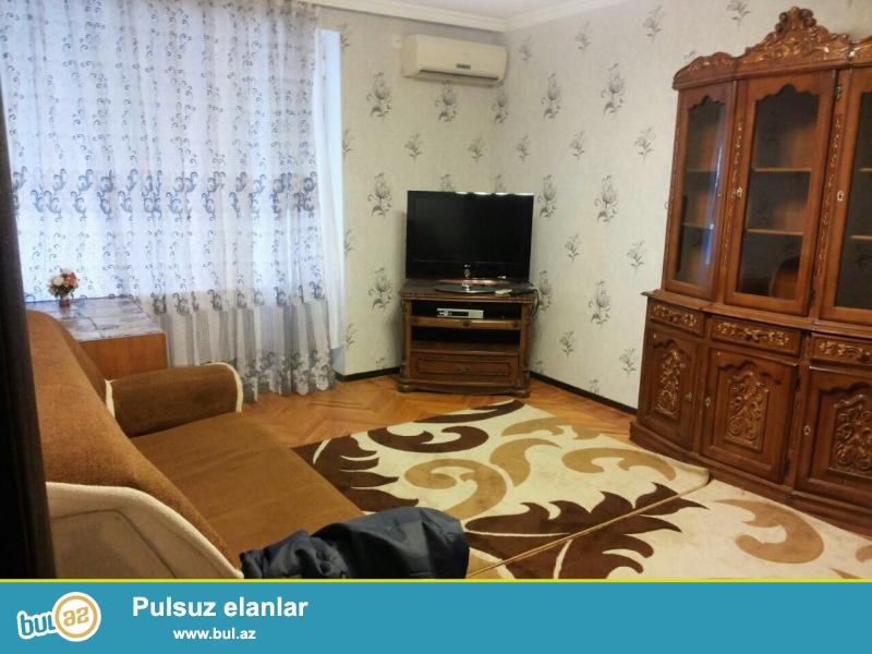 """Cдается 2-х комнатная квартира в центре города,по проспекту Азадлыг, рядом с магазином """"Прогресс""""..."""