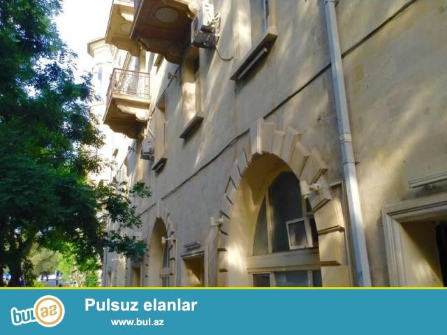 Насиминский район, около Турецкого Посольства сдаётся 2-х комнатная квартира...