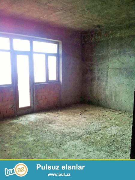 Очень срочно! В 9 мкр около Соналар Сонасы  в элитном комплексе *Шерур   МТК* продается 3-х комнатная квартира  нового строения  8/17, площадью 128  квадрат...