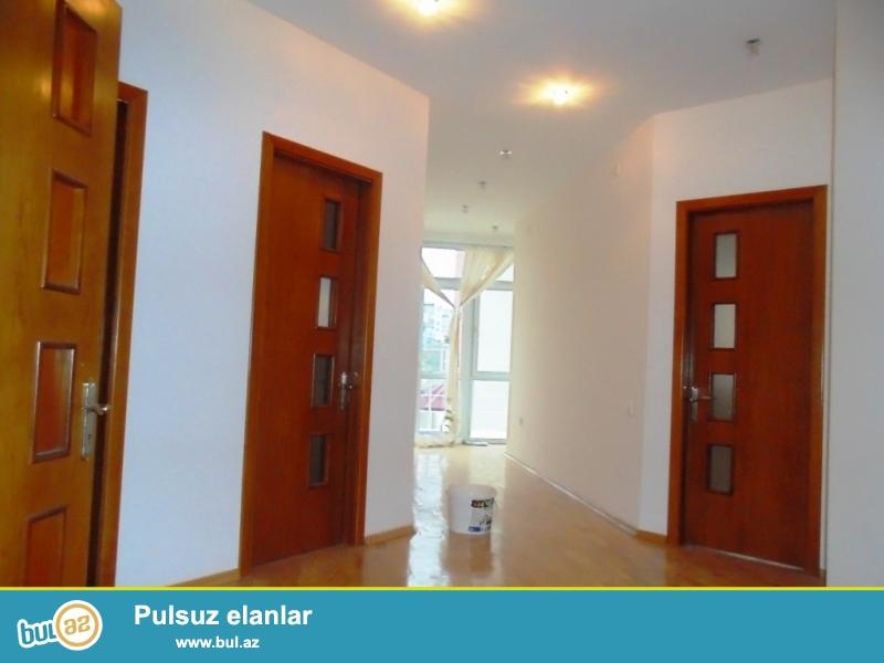 **РУФАТ*АЙНУР**    Продается    3-х   этажный новопостроенный  особняк   в   Патамдаре,  дом расположен  на  6-ти  сотах,  возле  Гелин Гая,  420 кв...