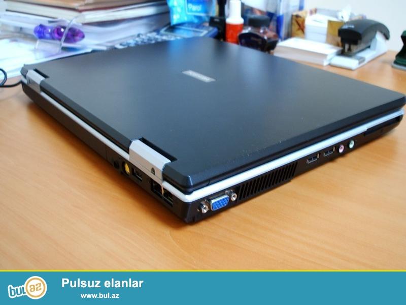 Toshiba-L10<br /> Pro:Pentium<br /> Ram:1GB<br /> Hdd:30GB<br /> Screen:15<br /> Rengi qara<br /> Zaratka az saxlayir...