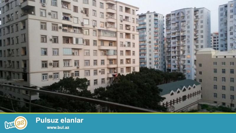Очень срочно!  Рядом с м/с  Хези Асланова  (около 2-го квадрата)  продается  2-х комнатная  переделанная в3 квартира нового строение 6/15, площадью 75 квадрат ...