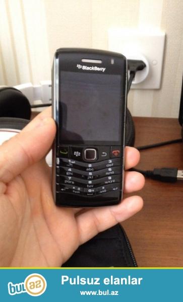 Blackberry 9105 modeli. Təzə kimidi. Üstündə orijinal adaptoru var...