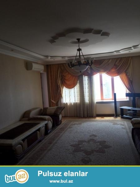 Очень срочно! Рядом с  МИД в близи м/с  Низами , продается  3-х комнатная квартира, нового строения  13/16  над этажом мансарда , площадью 175  квадрат...