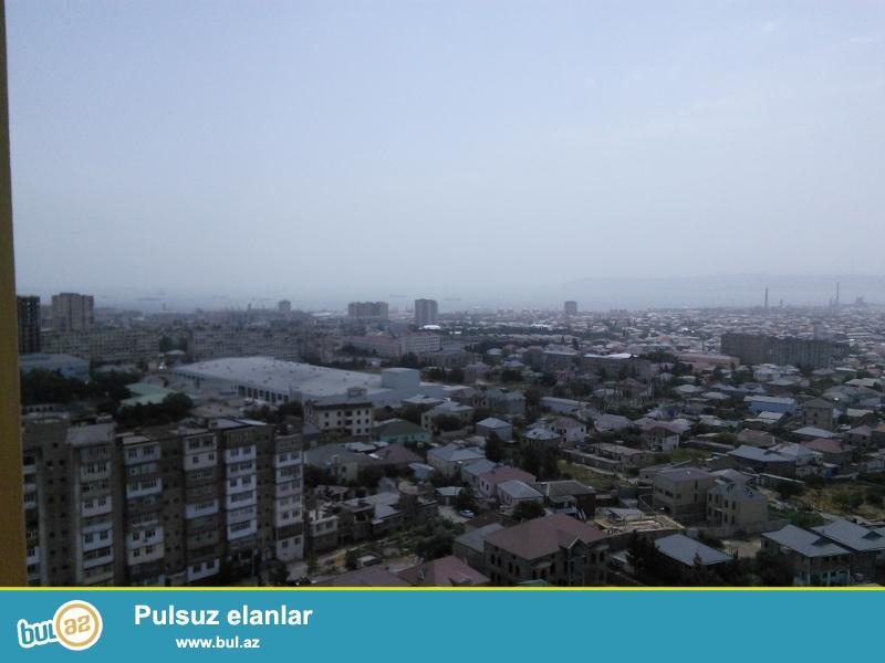 Ehmedli metrosunun duz çixişinin yanindaki binada podmayak 3 otaqli menzil satilir.Denize ve şehere gözel panoramasi var...