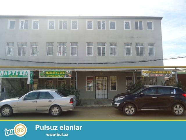 ZAUR (XUDAT)- Sabunçu rayonu, Zabrat 1 qəsəbəsi, yol kənarında, ümumi sahəsi 450 kv...