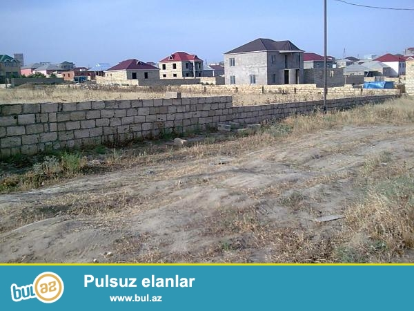 Bakının Şüvəlan qəsəbəsində, əsas yola yaxın məsafədə sənədli torpaq sahəsi satılır...