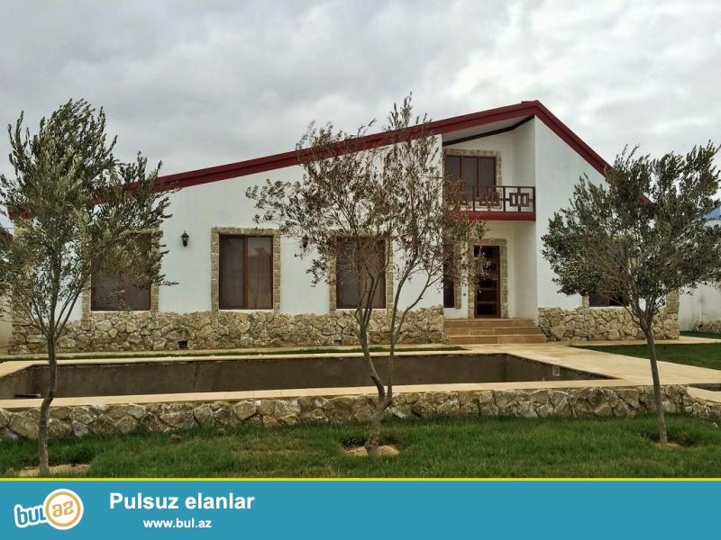 Очень срочно! В поселке Шувалан - Грес,  рядом с зияретгах , продается 4-х комнатный частный дом в стиле хайтек расположенный на 7...