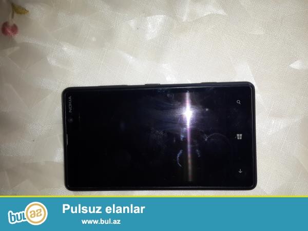 Sekildeki madeldi Nokia Lumia 820 seliqeli kabroda islenib adapdir qulaqciq karobqa bir sozle hər bir aksesuari var...