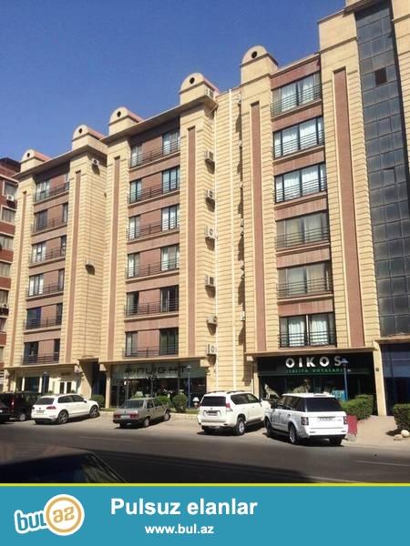 Наримановский район, на пересечении улиц Мамед Араза и Азадлыг в полностью заселённой новостройке сдаётся 4-х комнатная квартира...