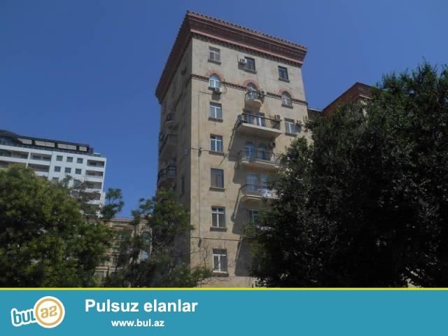 Сабаильский район, около Isr Plaza сдаётся 3-х комнатная квартира...