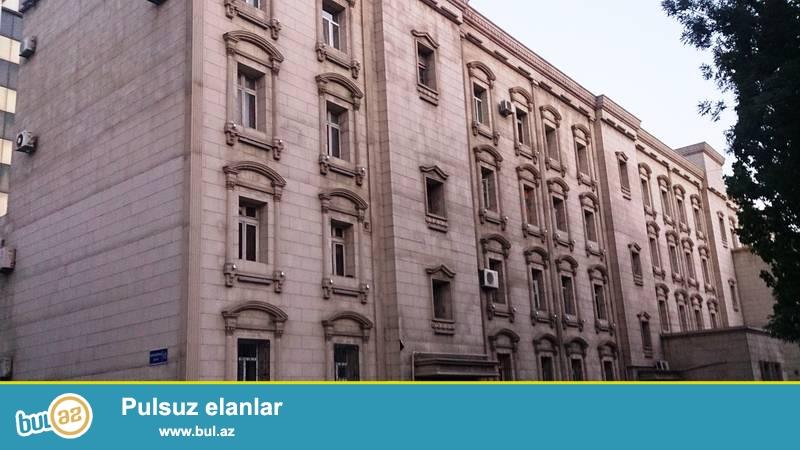 Наримановский район, около метро Нариманова, в заселенной новостройке  сдаётся 3-х комнатная квартира...