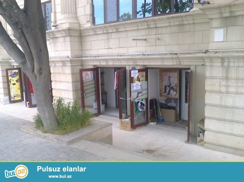 Təcili Nərimanov metrosundan aşağıda 45 kv.m obyekt satılır...