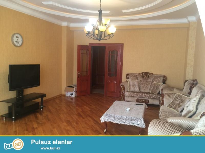 Очень  срочно ! В близи метро Нариманов   сдаётся   в аренду на долгий срок   3-х комнатная  квартира нового строения  4/18...