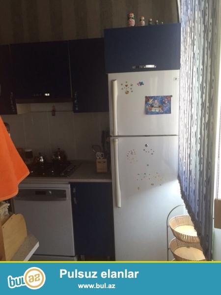Xizinin gitisinde 10 st -un icinde 2 etajli 6 otaqli ela temirli ev satilir. Gozel heyetyani sahesi bag bagcasi var...