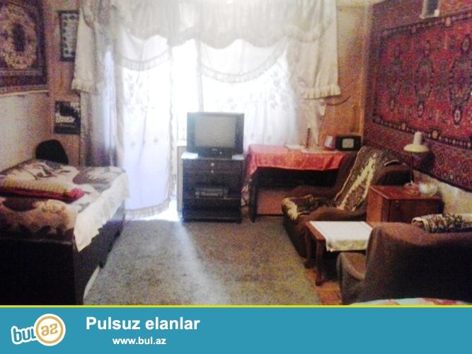 Продается 3-х комнатная квартира в центре города,в Ясамальском районе, рядом с кругом Гелебе...