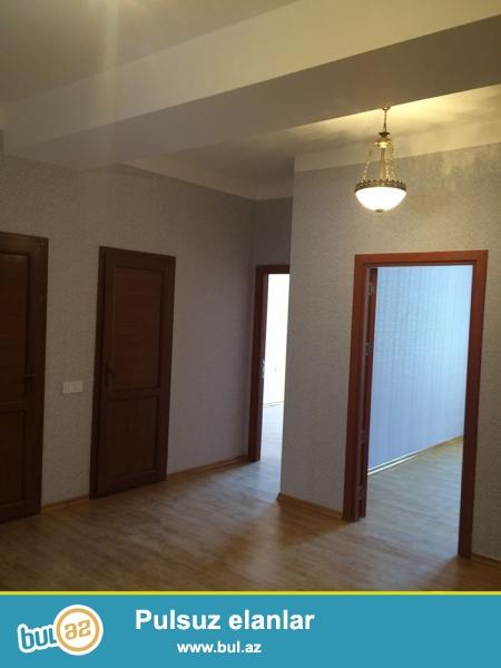 В престижном месте города, продается 3 комнатная квартира, общей площадью 106 кв...